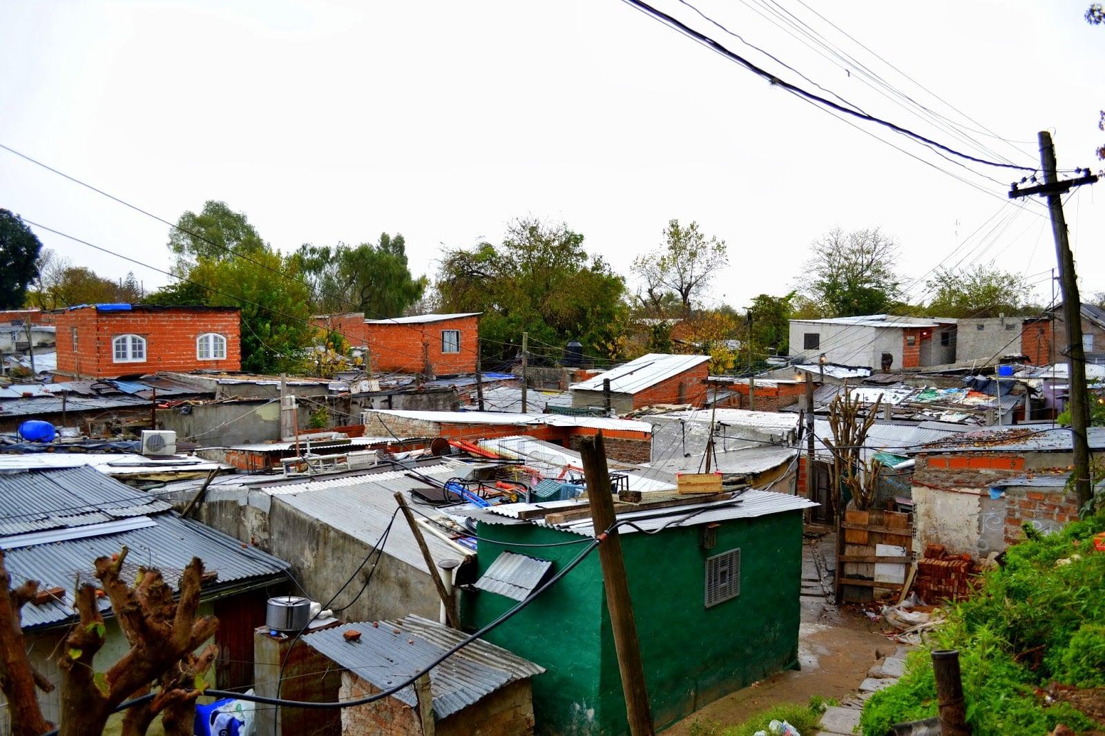 Se aprobó una ordenanza para destinar presupuesto municipal a la urbanización de villas en San Isdro