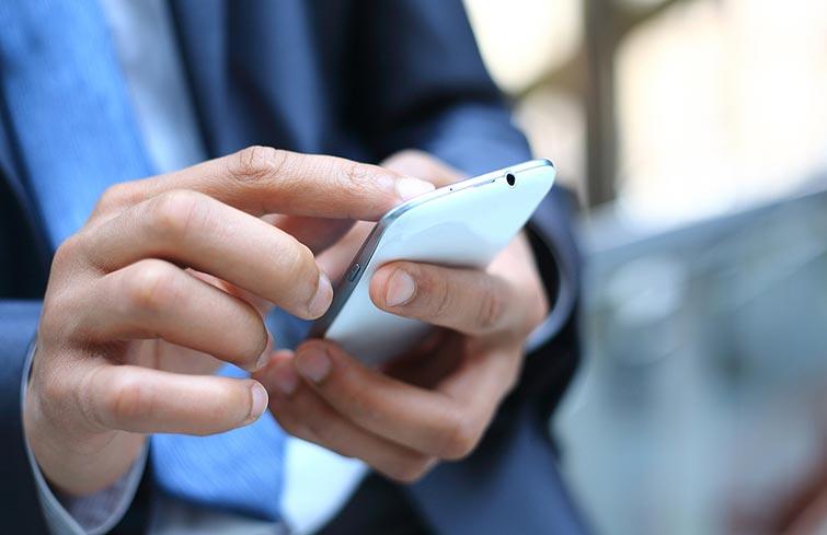 Piden a empresas telefónicas que ofrezcan datos móviles gratis a quienes deban usarlos para estudiar o trabajar