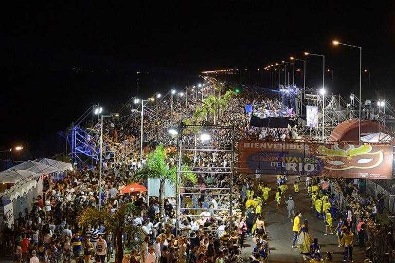 Seguí los Carnavales del Río en Tigre en vivo