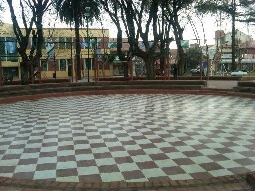 plaza-martinez-9-de-julio