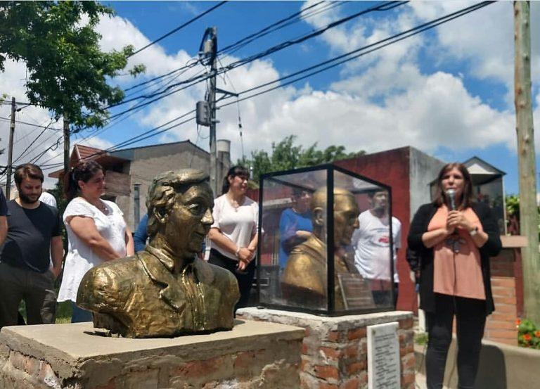 Se inauguró un busto de Néstor Kirchner en San Isidro en el marco de distintos homenajes en la región norte