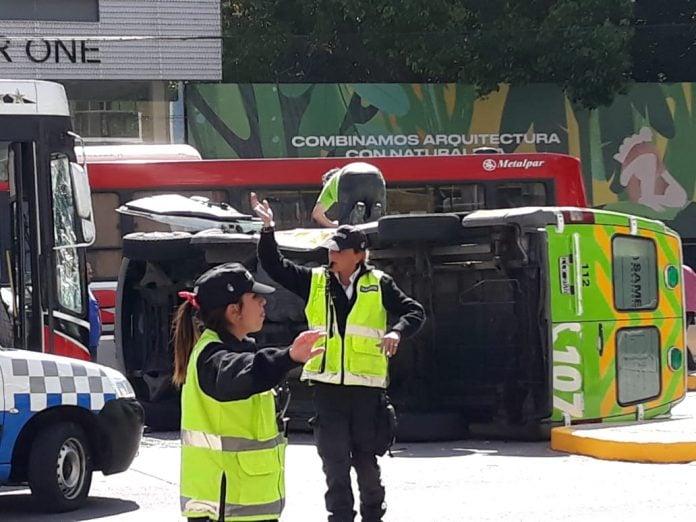 vuelco-ambulancia-same-maipu-vicente-lopez