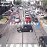 video-choque-auto-moto-avellaneda-virreyes-san-fernando