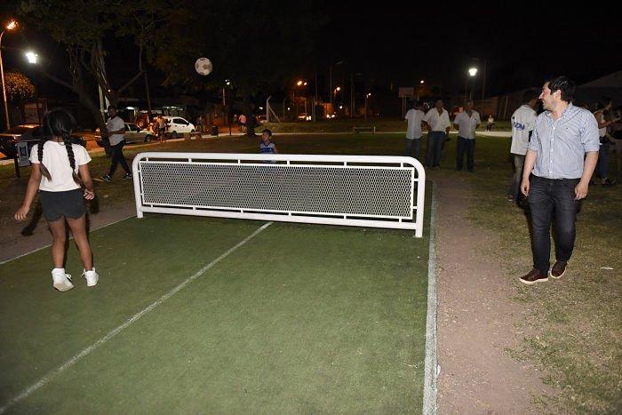 plaza-el-ombu-malvinas-argentinas