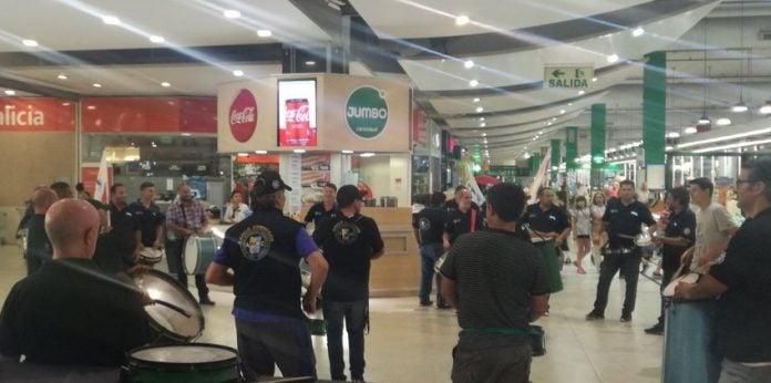 protesta-empleados-unicenter-2