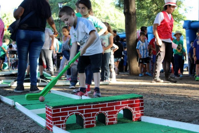 kermesse plaza mini golf malvinas