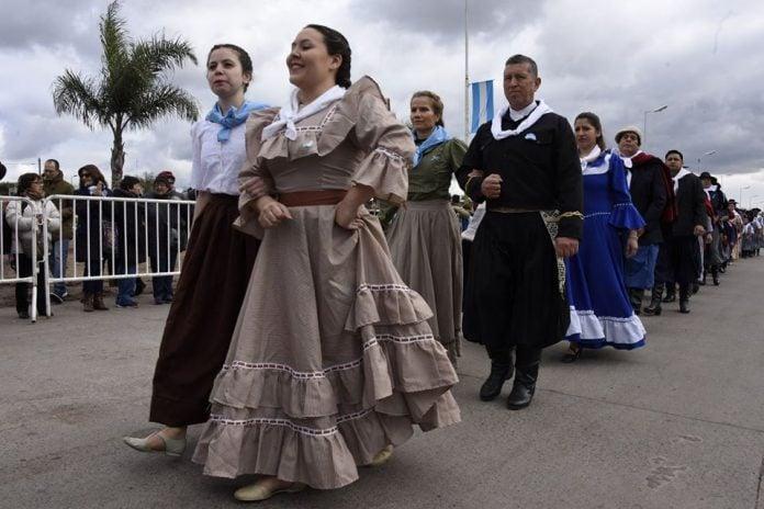 desfile-9-de-julio-malvinas-argentinas