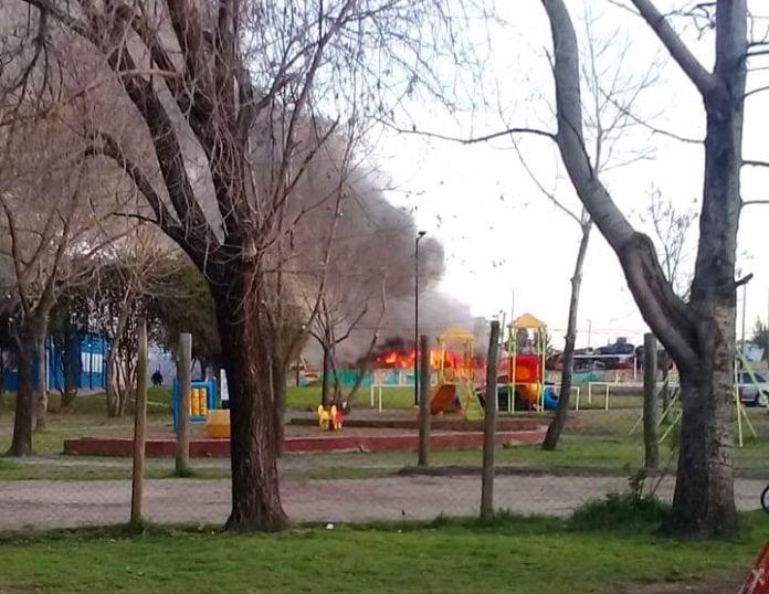 Incendio Deposito Boulogne 150819