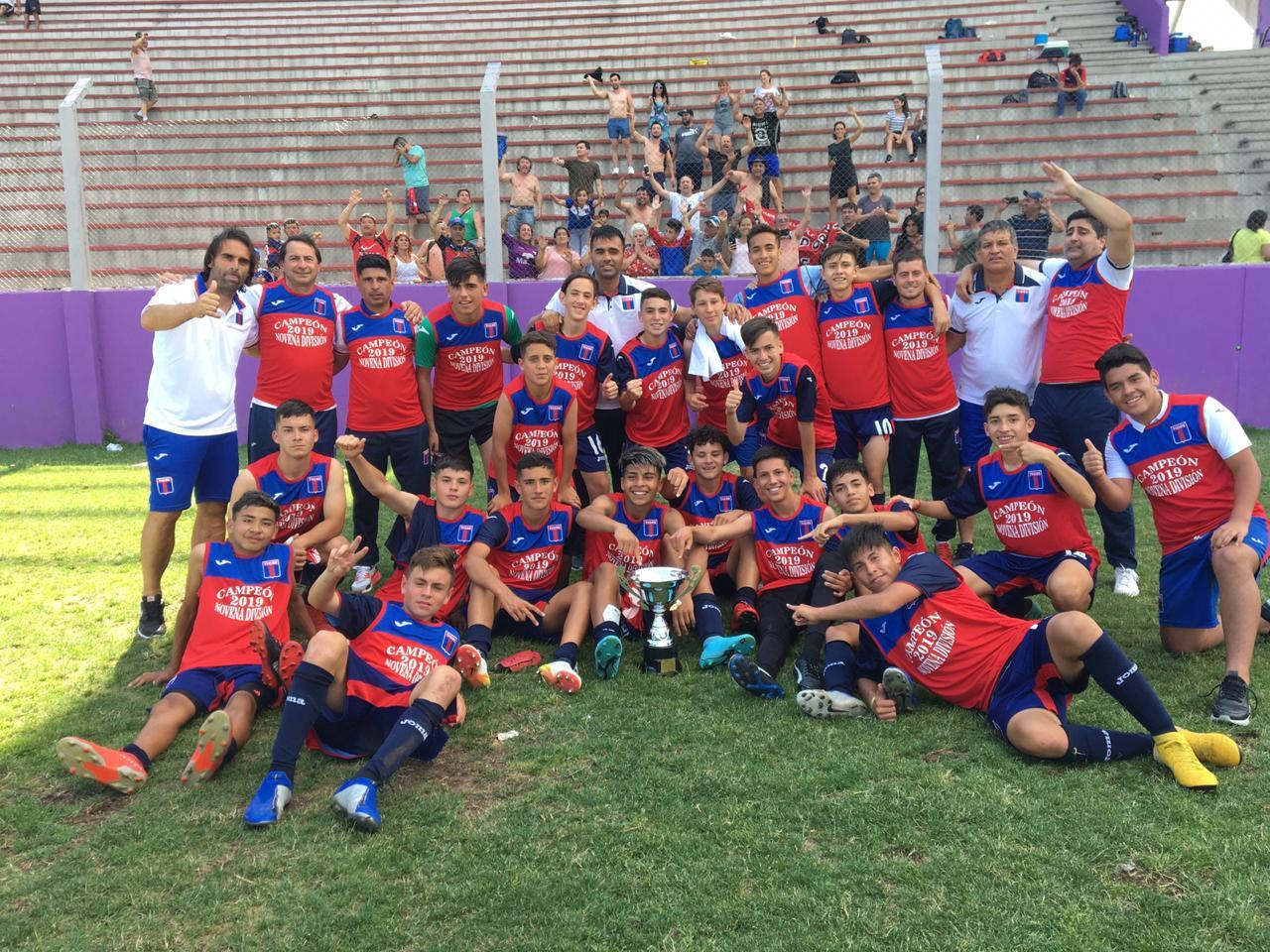 La 9° de Tigre salió campeona del torneo juvenil de la Primera Nacional - Que Pasa Web