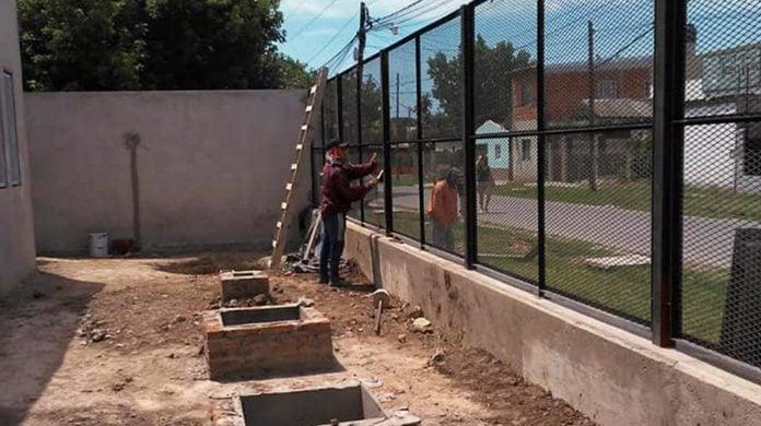 escuela benavidez construccion