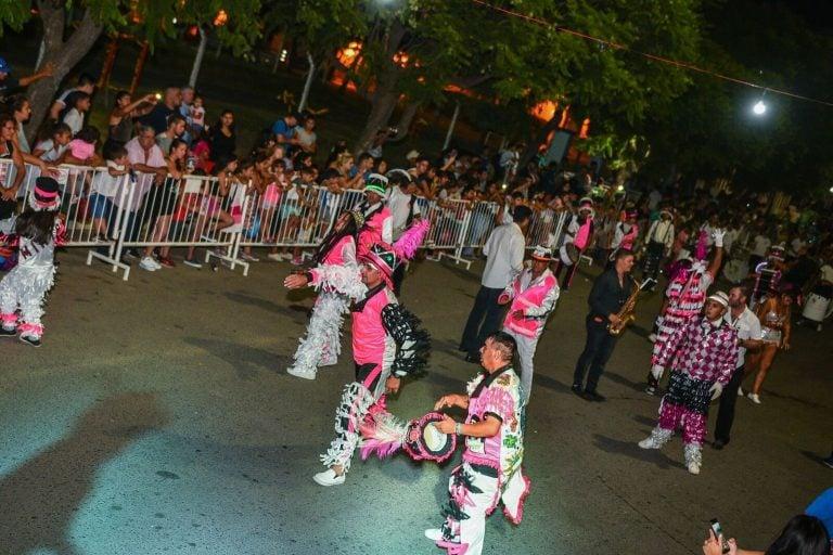 Sigue el Carnaval de la Flor Escobar