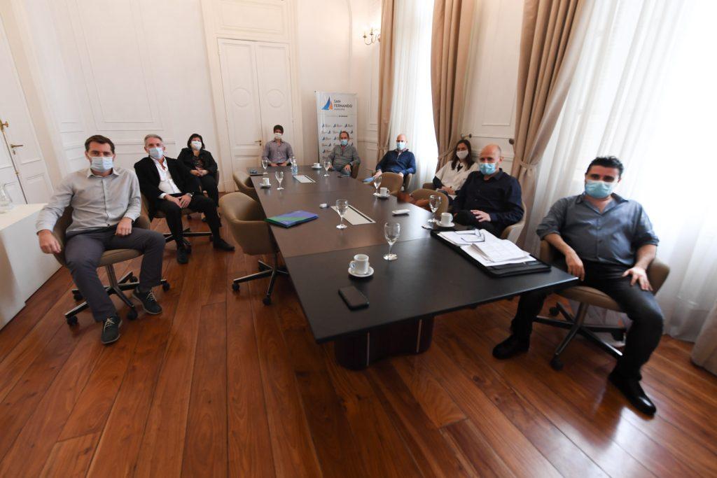 2 Juan Andreotti Reunion Directores Htal Y Clinicas