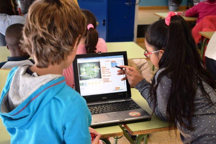 niños computadora