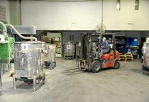 Al Inicio De La Cuarentena, La Empresa Reconvirtió Su Producción Para Fabricar Químicos Desinfectantes.