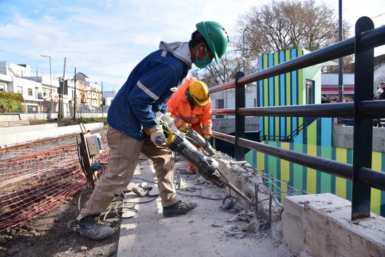 Avanza la obra de un nuevo paso peatonal en el túnel de Villa Ballester