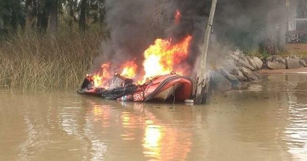 Incendio Lancha Prefectura Delta