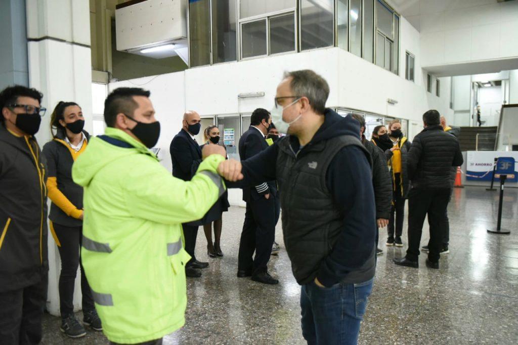 Diego Valenzuela Y Trabajadores Aeropuerto El Palomar Moron