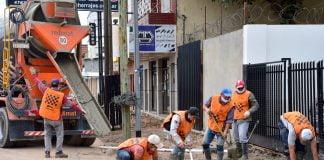 En El Marco Del Plan De Mejoramiento Del Espacio Público, El Municipio Realiza Nuevas Veredas, Iluminación, Desagües Y Parquización, Entre Otros Trabajos.