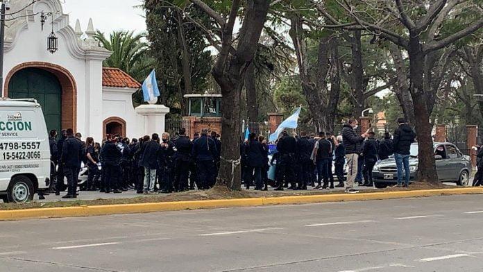 Protesta Policia Quinta Olivos