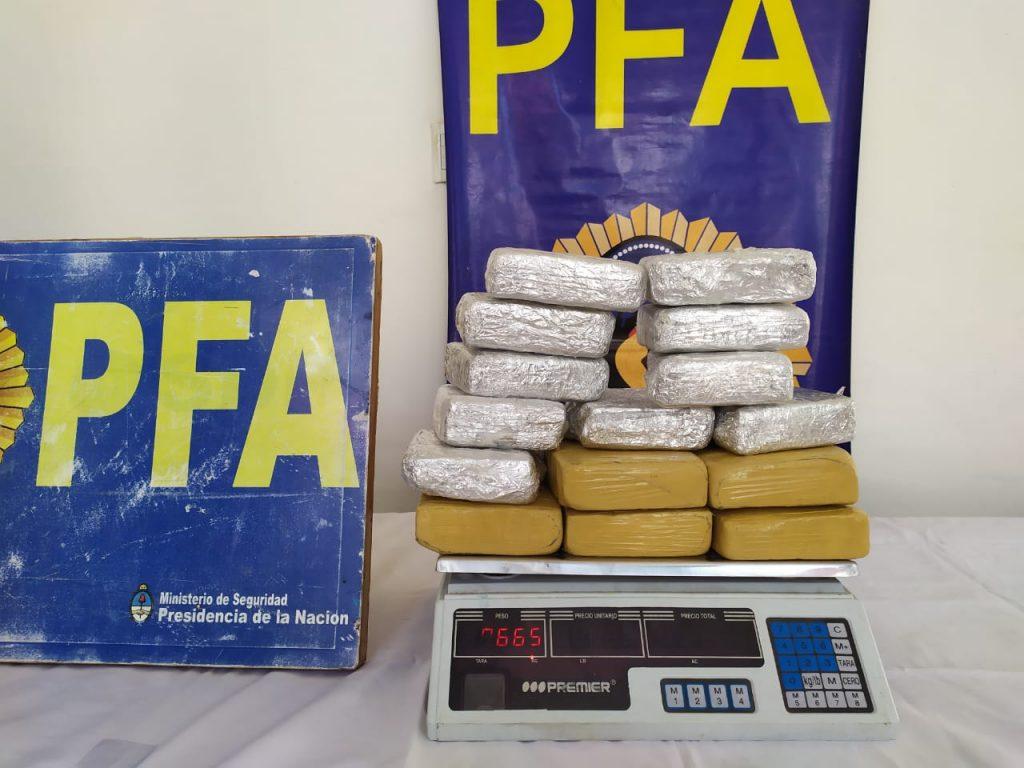 Seguridad La Policía Federal Argentina Desarticuló A Una Organización Dedicada A La Venta De Drogas Ilegales En La Provincia De Buenos Aires Y En Caba 1