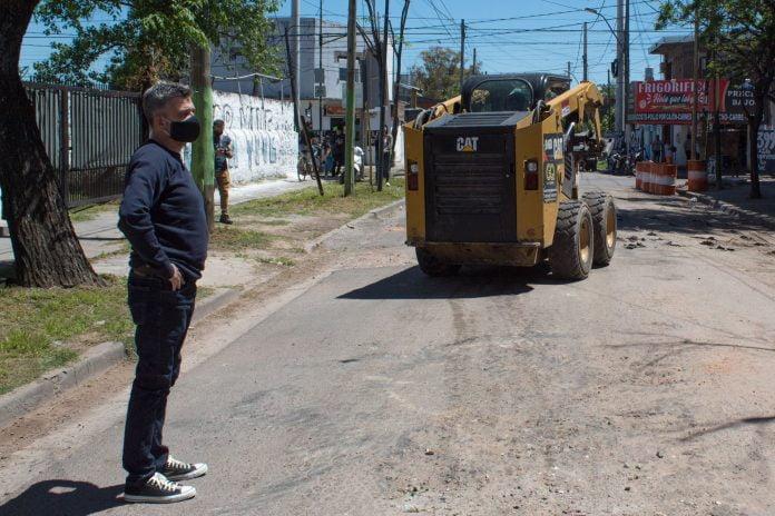Zabaleta Recorrio El Inicio Del Plan De Repavimentacion De Calles