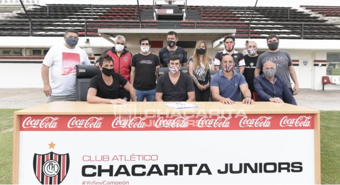 Chacarita, Oficializó Fútbol Senior