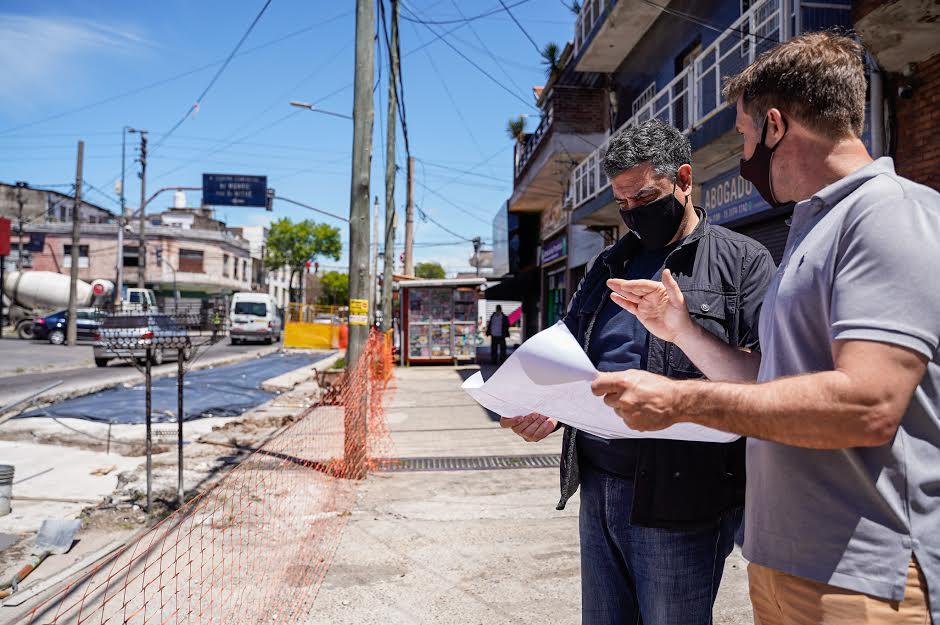 Jorge Macri Recorriendo Obras De Pavimentacion En Munro