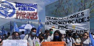 Protestas Frente Al Parque De La Costa