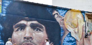 mural diego maradona