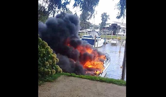 incendio costa san fernando embarcaciones