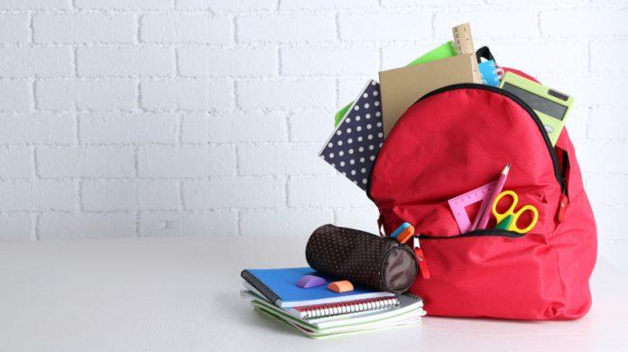 mochila utiles escolares generica
