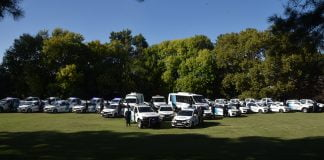 en el marco del plan nacional de seguridad, articulado entre la nación, la provincia y el municipio, se entregaron vehículos para la policía de la provincia de buenos aires.
