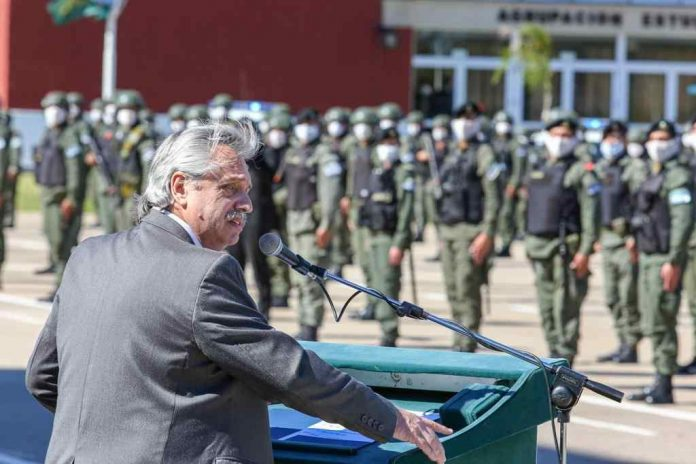 alberto fernandez gendarmeria campo mayo