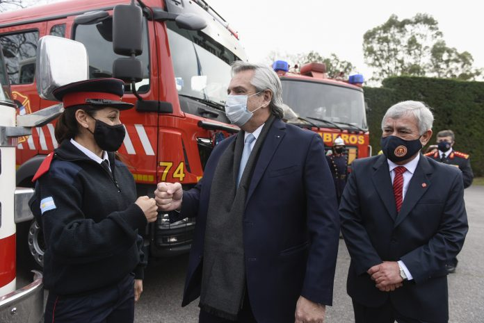 alberto fernandez bomberos 4 5