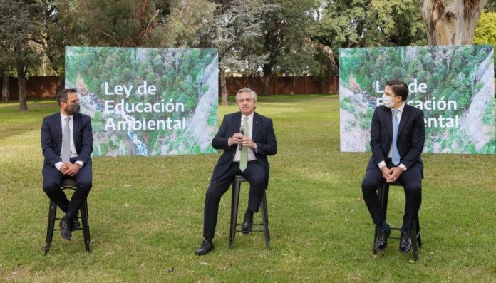 alberto fernandez olivos ley educacion ambiental