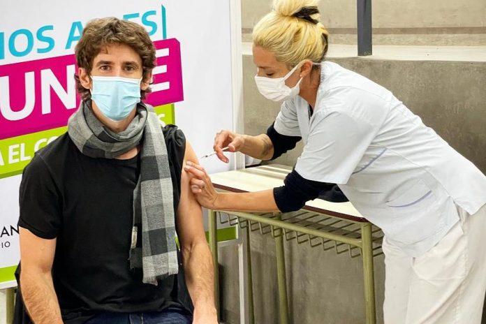 intendente juan andreotti vacuna primera dosis