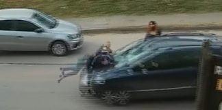 mujer bebe atropellada garin video