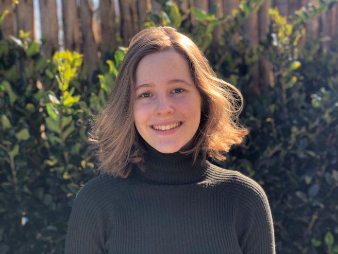 Lara Ubierna - joven escritora Escobar Pilar