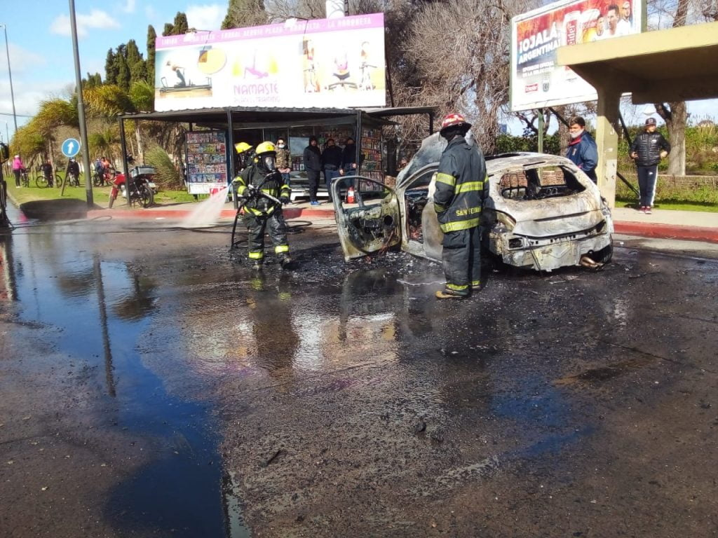incendio auto bancalari 2