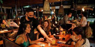 noche gastronomia bar barbijo restaurante