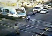 motociclista arrollado tren