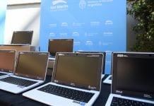 cada netbook cuenta con el sistema operativo huayra un desarrollo en software libre del estado nacional y recursos educativos abiertos.