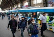 transporte publico tren colectivo barbijo